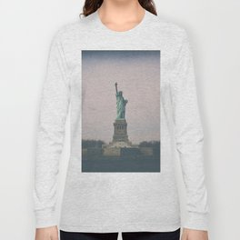 Statue of Liberty w Long Sleeve T-shirt