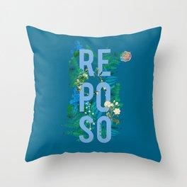 Reposo Throw Pillow