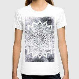 BOHO WHITE NIGHTS MANDALA T-shirt