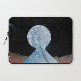 Seventeen Laptop Sleeve