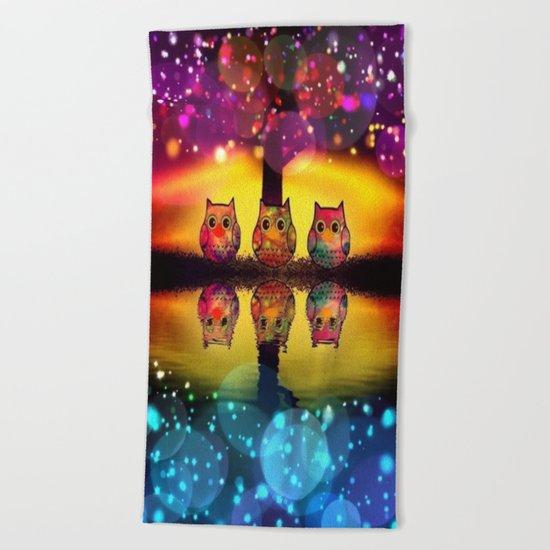 owl-37 Beach Towel