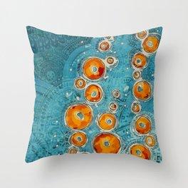 Bulles en Bleu Throw Pillow