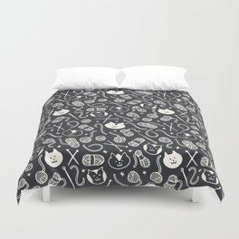 Cats LOVE Yarn! in Grey Duvet Cover