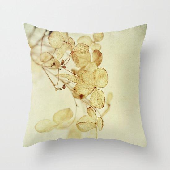 winter flora Throw Pillow
