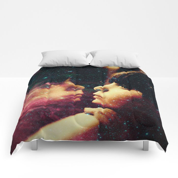 Face in the Space Comforters
