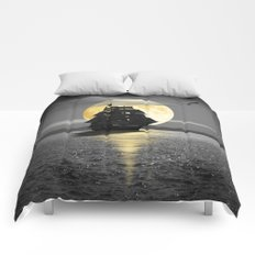 A ship with black sails Comforters