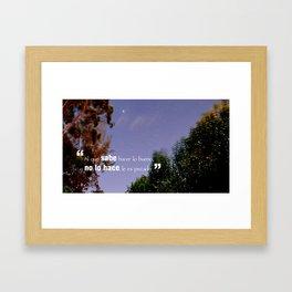 Hacer lo bueno Framed Art Print