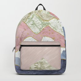 Between hills and mountains Backpack