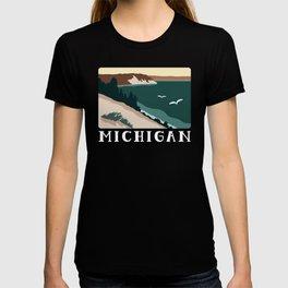 Minimalist Sleeping Bear T-shirt