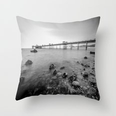 Llandudno Peir Bw Throw Pillow