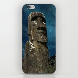 A Moai sculpture on the Easter Island. iPhone Skin