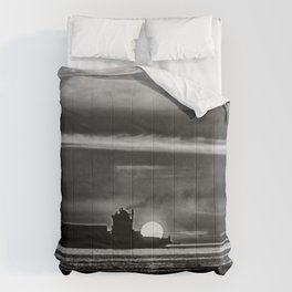 Silhouette... Black and White Comforters