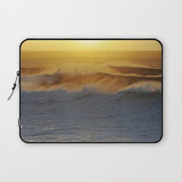 Giant waves at Mullaghmore Head Laptop Sleeve