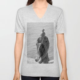 Sculpture_The prayer Unisex V-Neck