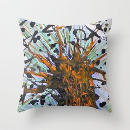 Ensueño Throw Pillow