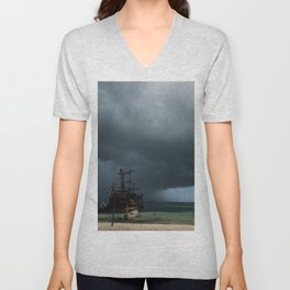 Storm, Pirata ship Unisex V-Neck