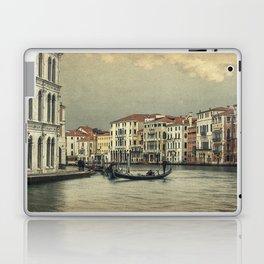 Gondola and gondoliere Laptop & iPad Skin