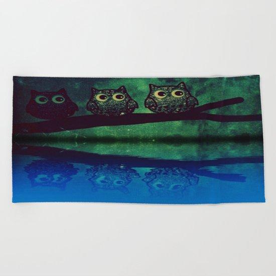 owl-271 Beach Towel