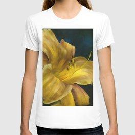 Golden Lily T-shirt
