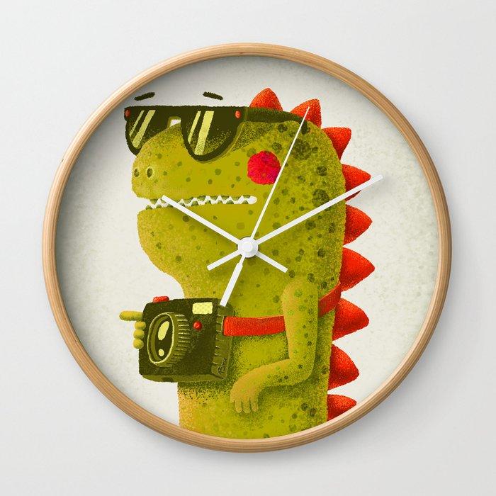 Dino touristo (olive) Wall Clock