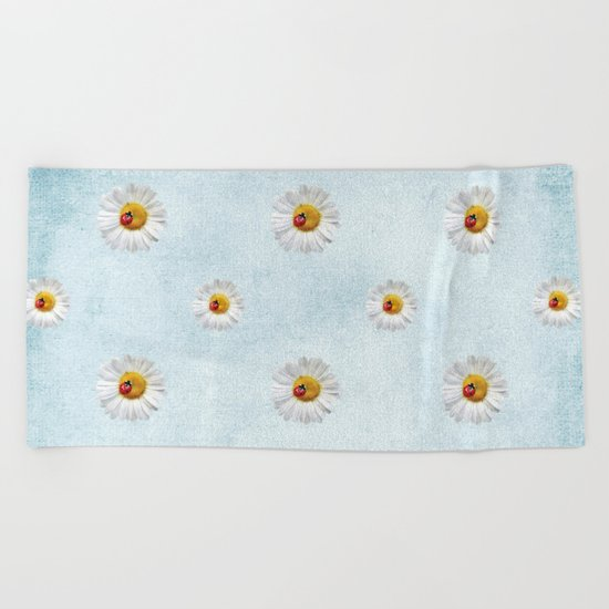 Daisies in love- lightblue pattern Beach Towel