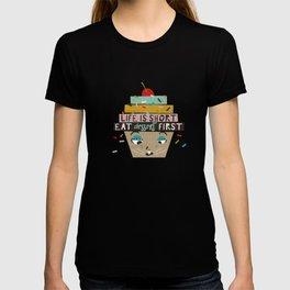 Cupcake eating ice cream T-shirt