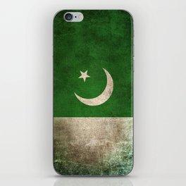 Old and Worn Distressed Vintage Flag of Pakistan iPhone Skin