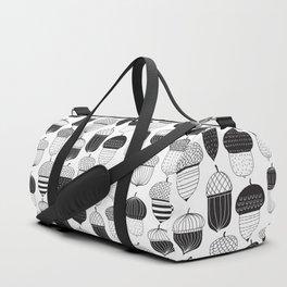 Doodle acorns autumn pattern Duffle Bag