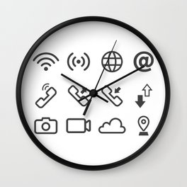 Communication Through The Internet Wall Clock