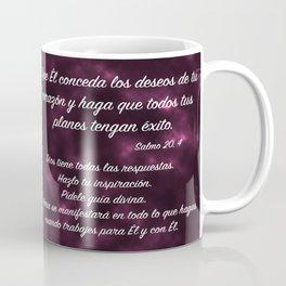 Manos sosteniendo corazón - Salmo 20, 4 Coffee Mug