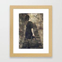 El viaje comienza ( the journey begins) Framed Art Print