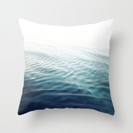 Pure Onde Throw Pillow