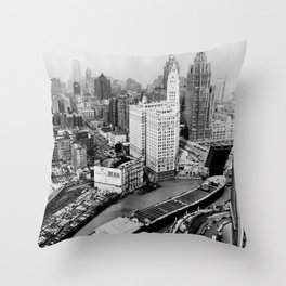 Largest travel Chicago River Chicago Illinois Throw Pillow