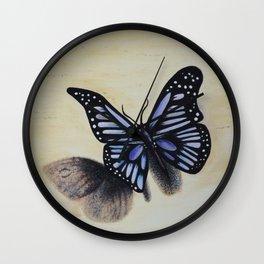 Le papillon sur les traces de l'amour Wall Clock