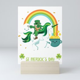 Funny St Patricks day unicorn design - perfect outfit Mini Art Print