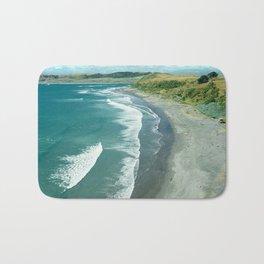 Raglan beach, New Zealand Bath Mat