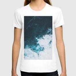 Wild ocean waves II T-shirt