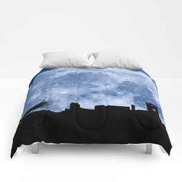 Tribute to the first flying man (Diego Marín Aguilera) in history Comforters