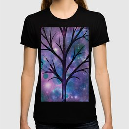 Tree in a fairy-like blue lilac sparkle spring night T-shirt