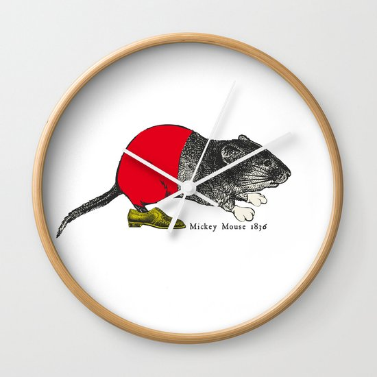 études - Mickey Wall Clock