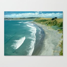 Raglan beach, New Zealand Canvas Print