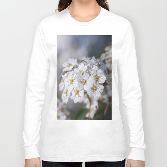 Bridal Wreath macro Long Sleeve T-shirt