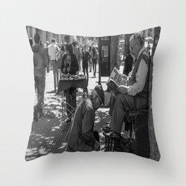 Estilo de vida - Santigo/Chile Throw Pillow