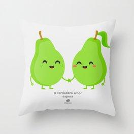 El verdadero amor espera Throw Pillow