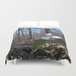 Trillium Fighting Spring Duvet Cover