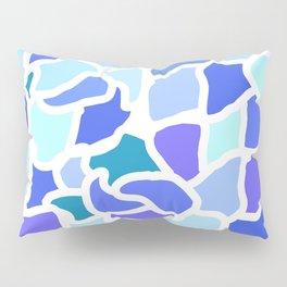 Giraffe in Blue Pillow Sham