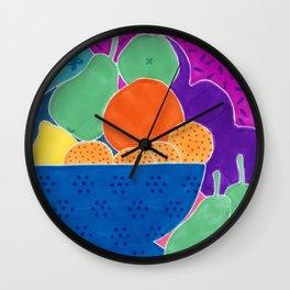 La passoire et les fruits  Wall Clock