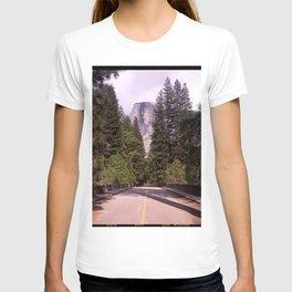 Ahwahnee Bridge, Yosemite Village T-shirt