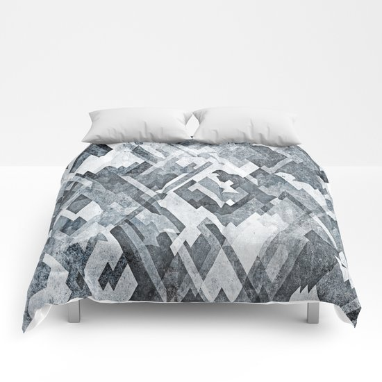 zig zag black and white Comforters