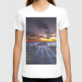 Pier Caminho Das Gaivotas Portugal Vasco Da Gama Lisabon Ultra HD T-shirt